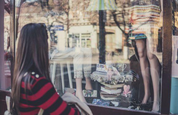 ¿Cómo crear un escaparate atractivo para tu tienda?